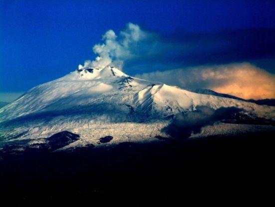 Le cime bianche dell'Etna