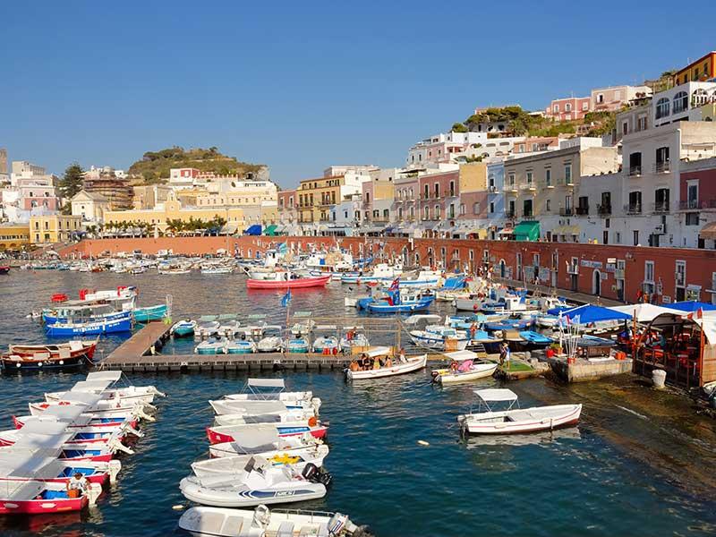 Vacanza a ponza il paradiso a due passi for Soggiorno a ponza
